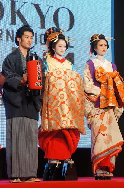 【第27回東京国際映画祭】安達祐実、花魁姿を披露…レッドカーペット 7枚目の写真・画像