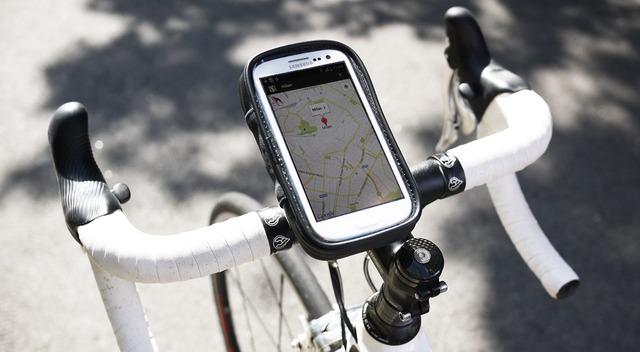 スマートフォンを自転車に搭載 ...
