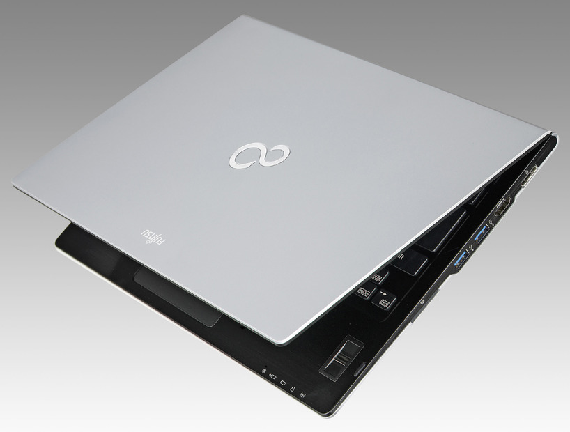 14型液晶Ultrabook「LIFEBOOK U772/E」