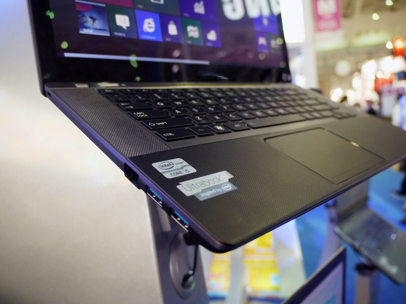 東芝のUltrabook「Satellite U845W」