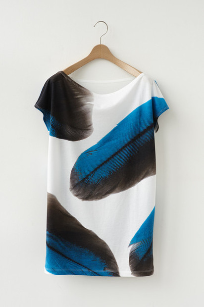 「Wearing Light」限定アイテム「FEATHER T」