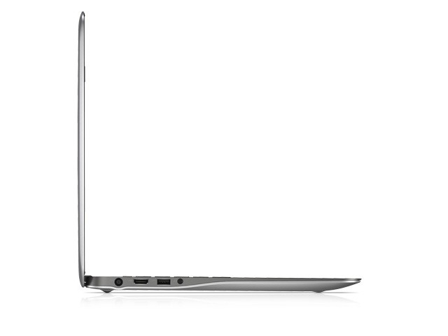 「Inspiron 15 7000 Graphic Pro」側面