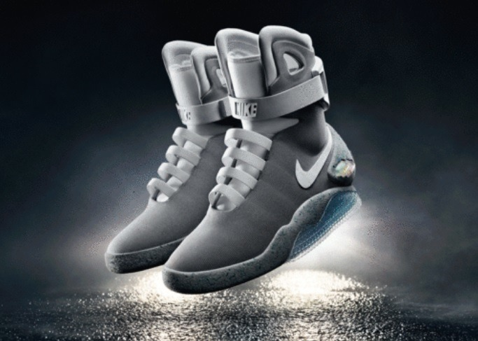 「THE 2015 Nike Mag」