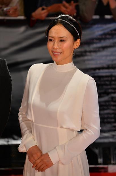 ファッションモデルの中谷美紀さん