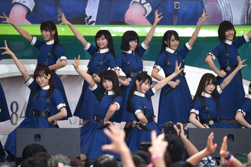 ひらがなけやき: 【画像】欅坂46がTIFで熱狂ライブ、ひらがなけやきは憧れの