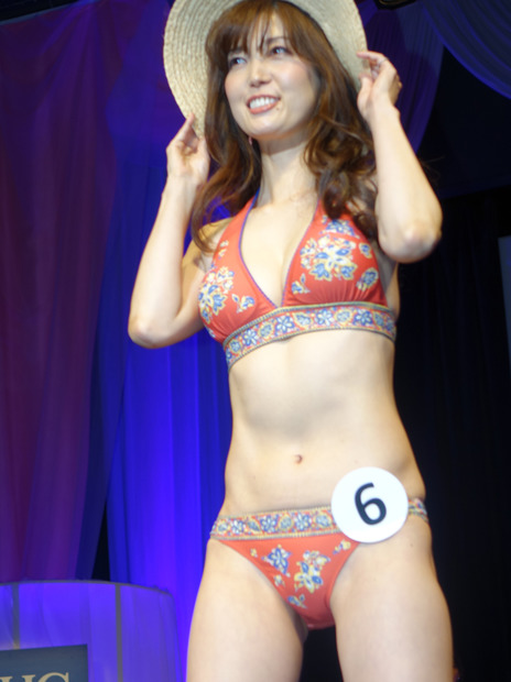 美魔女水着 美魔女16名が水着に挑戦、グランプリは47歳の主婦――第9回 国民的 ...
