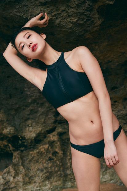 """小倉優香、""""服を着ているのに水着よりもセクシー""""なデジタル写真集発売中 2枚目の写真・画像   RBB TODAY"""