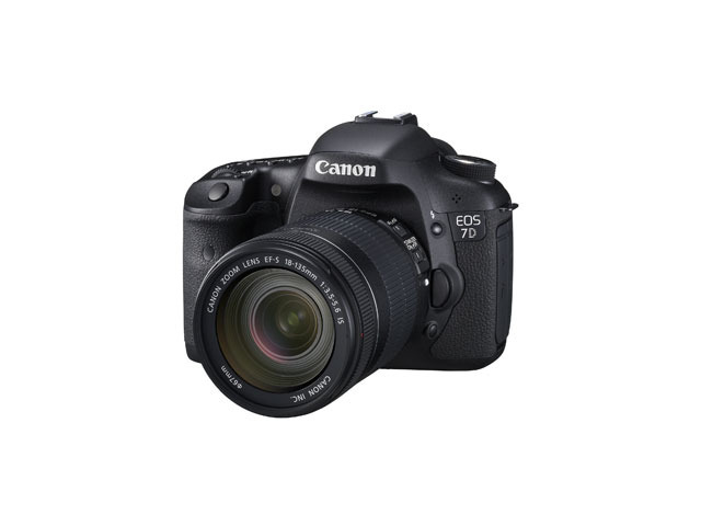 「EOS 7D・EF-S18-135 IS レンズキット」