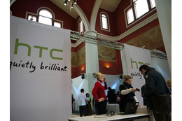【MWC 2011(Vol.28)】HTC、タッチペン付属のAndroidタブレット「Flyer」を発表 画像