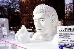 【動画】今年の雪まつりに現れたのは? 「巨人」や五郎丸も雪像で出現
