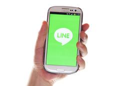 企業からの情報入手、「LINE」が「メール」に迫る勢いに