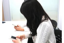【女子高生スマホ事情 Vol.2】「スマホケースの買い替えは2ヵ月ごと」「自撮り棒はよく折れる(笑)」