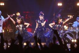 「BABYMETAL」少女たちは世界と戦う…NHKで特番