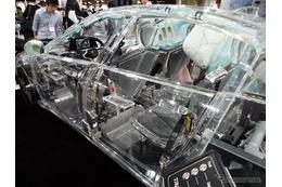 透明なクルマに乗ってみた!アクリルカー「ZF's acrylic car」