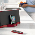 「SoundDock Series II digital music system limited-edition Red」(iPhone/iPodは別売)