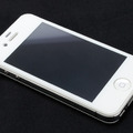 「Ultra shield tempered glass for iPhone 4S/4」のホワイト(iPhoneは別売)