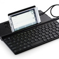「Wired Keyboard for Android」とスマートフォンを接続したイメージ(スマートフォンは別売)
