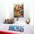 ONE PIECEコラボレーションモデル「N-02E ONE PIECE」の展示コーナー。