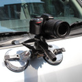 カメラを車の屋根などに取り付けられる「超強力ダブル吸盤カメラマウント」 画像