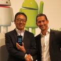 ソフトバンクの発表会で来日した米GoogleでAndroid責任者を務めるHiroshi Lockheimer氏(右)