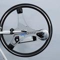 たった60秒で電動アシスト付き自転車に大変身! 画像