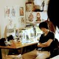 菅田将暉、美少女キャラに囲まれたちょっとオタクな仕事場 画像