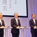夏モデル10機種発表のKDDI田中社長「機種の選択肢を狭めることは間違いだと考えを改めた」 画像