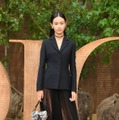 桐谷美玲、emmaらがドレスアップした姿を披露!パリの「ディオール」ショー