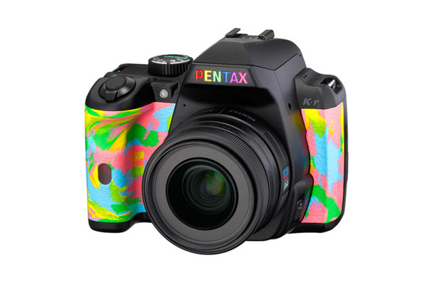 限定300台の「TOWER RECORDS × PENTAX RAINBOW K-r」