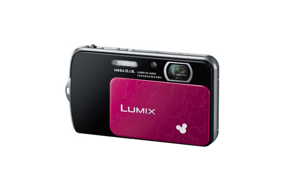 ディズニーモデル「LUMIX DMC-FP7D」 (c) Disney