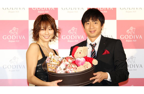 米倉涼子&徳井義実 @ 「GODIVA White Day 2013~Hunter of Love」
