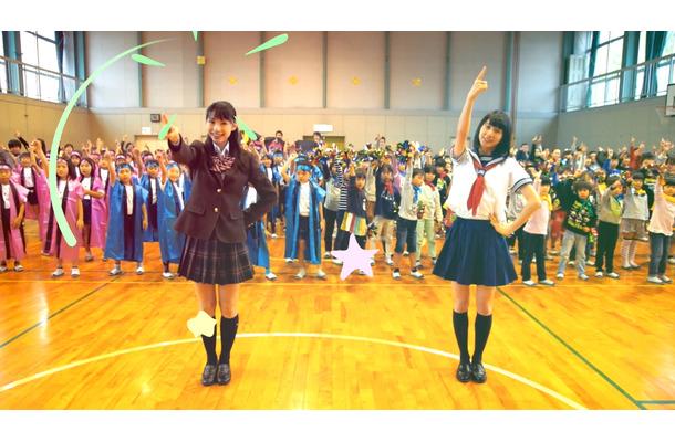 3058人が踊りだす! 久喜市のPRダンス動画『1000人クッキーダンス ...