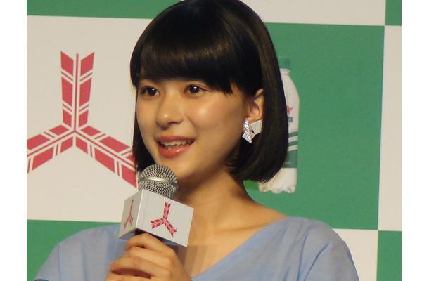 芳根京子、30センチ髪をバッサリ!「好評で嬉しいです」