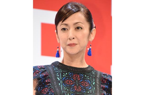 50代医師、斉藤由貴との不倫を初めて認めた!一線越えた理由は「言語で ...
