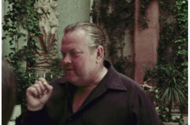 名匠オーソン・ウェルズの遺作『風の向こうへ』製作の舞台裏を追った ...