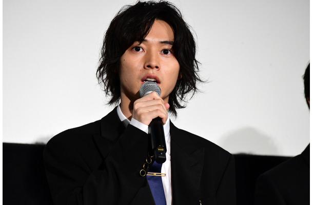 山崎賢人、舞台挨拶で天然炸裂&姫への憧れを明かす「会ってみたい」