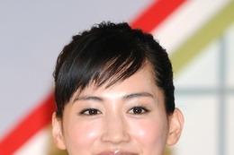 """綾瀬はるか、NHK紅白で""""歌手デビュー""""……「考えるだけで緊張」 画像"""