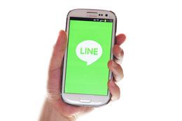 企業からの情報入手、「LINE」が「メール」に迫る勢いに 画像