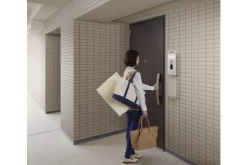 リフォーム需要にも対応する集合住宅用スマートドア 画像