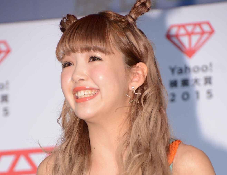 ブロンドヘアーの小田京子さん