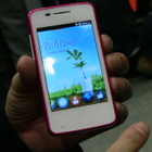 【MWC 2013 Vol.7(動画)】Firefox OS搭載スマホがお目見え!ALCATEL、「ONE TOUCH FIRE」 画像