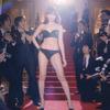 AKB48小嶋陽菜、パーティ会場でドレスが脱げてしまい……CMで下着姿やフランス語を披露の画像