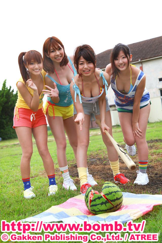 目指せ究極グラビアボディ!アイドル4人が浴衣や水着で夏合宿