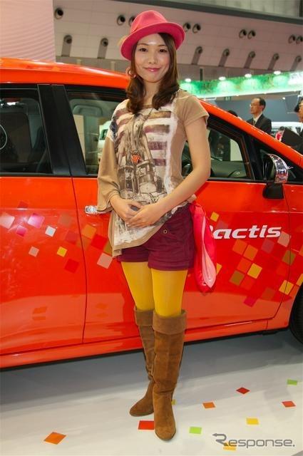 【フォトレポート】東京モーターショー2011コンパニオン……関東自動車工... 関東自動車工業