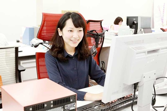 【画像】システムエンジニアやってる女子が揃いも揃って美人な件