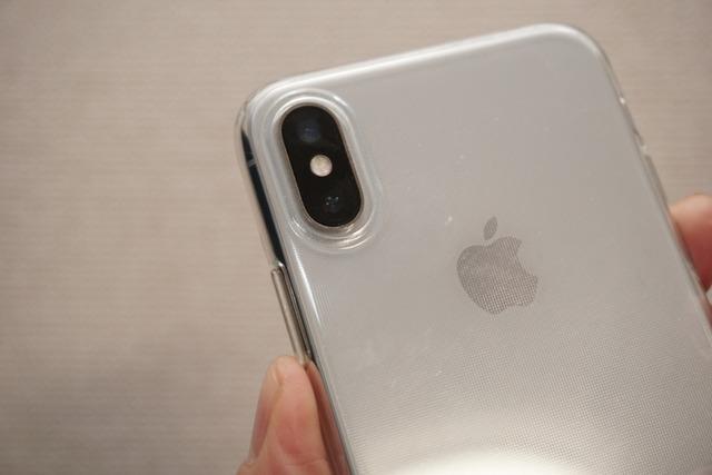 iPhone Xは縦に広角・望遠レンズを搭載している