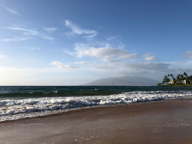 雲の繊細なディティールも記録。青空や海の色がとても自然