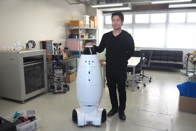 自律移動型ロボットを出展するSEQSENSE。創業者(Co-Founder)の1人でCEOを務める中村壮一郎氏に話を聞いた