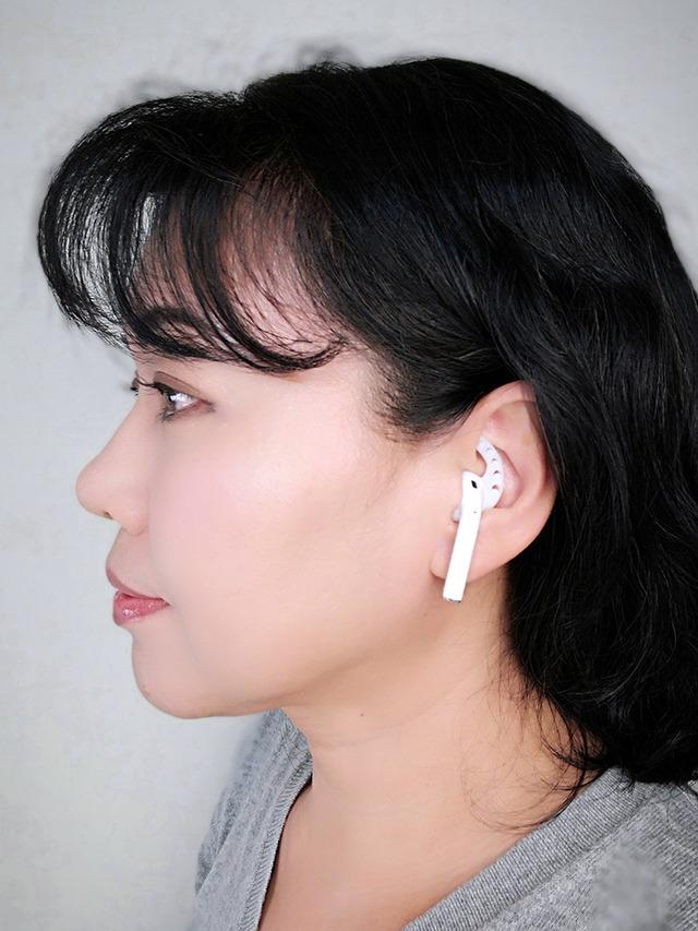 イヤーフックを使うと耳にひっかかるので、落ちにくくなるというメリットがあります