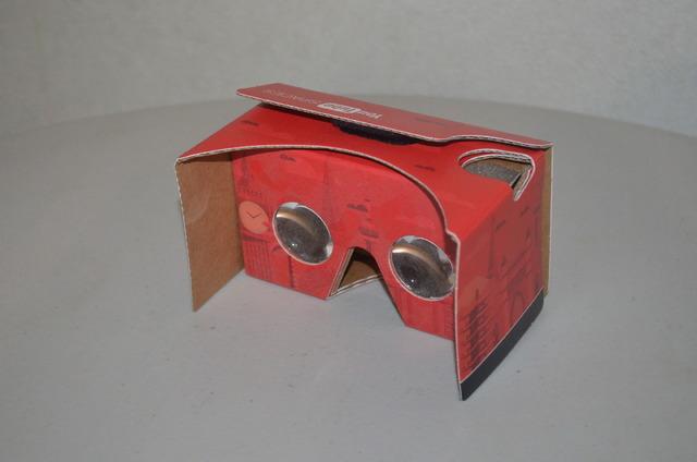段ボールでできたVRゴーグル「Google Cardboard」